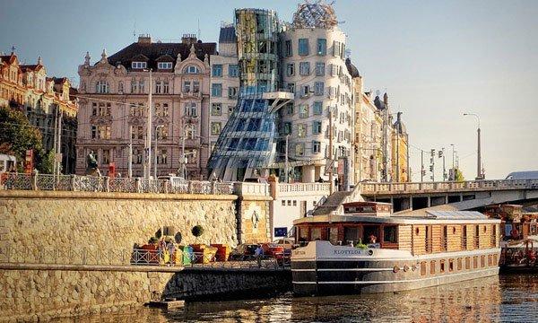 Прага-танцующий-дом