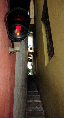 самая-узкая-улица-Праги