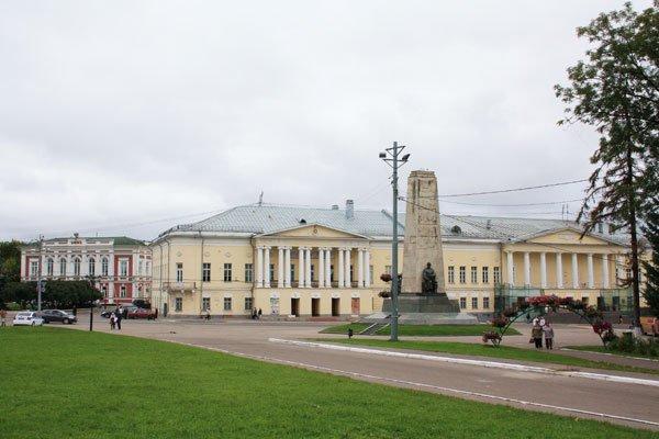 здание-Дворянского-собрания